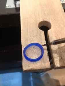 ワックスペンを使用して修復