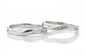ねじりに溝の手作り結婚指輪