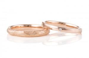 愛知:手作りの鎚目と甲丸の結婚指輪(PG)