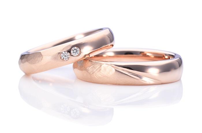 甲丸と槌目の手作り結婚指輪