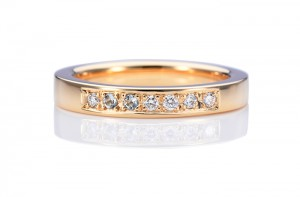 手作りの婚約指輪 エンゲージリング